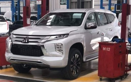 2019 Mitsubishi Pajero Sport Facelift Spotted Ahead of Launch 1