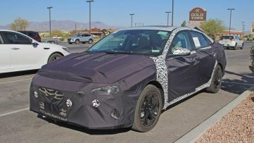 Next-Gen Hyundai Elantra Spied For the First Time 8