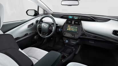 2019 Toyota Prius PHEV Gets Updated 4