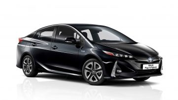 2019 Toyota Prius PHEV Gets Updated 2