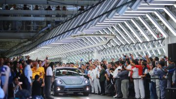 Volkswagen Marks End of an Era with Production of the Last VW Beetle 4