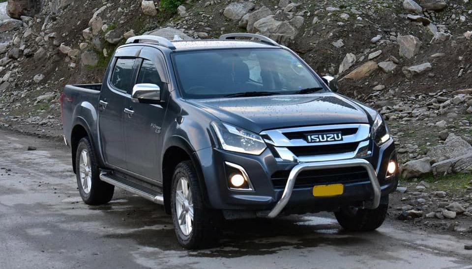 Toyota Hilux and Isuzu D-Max Sales Comparison 3
