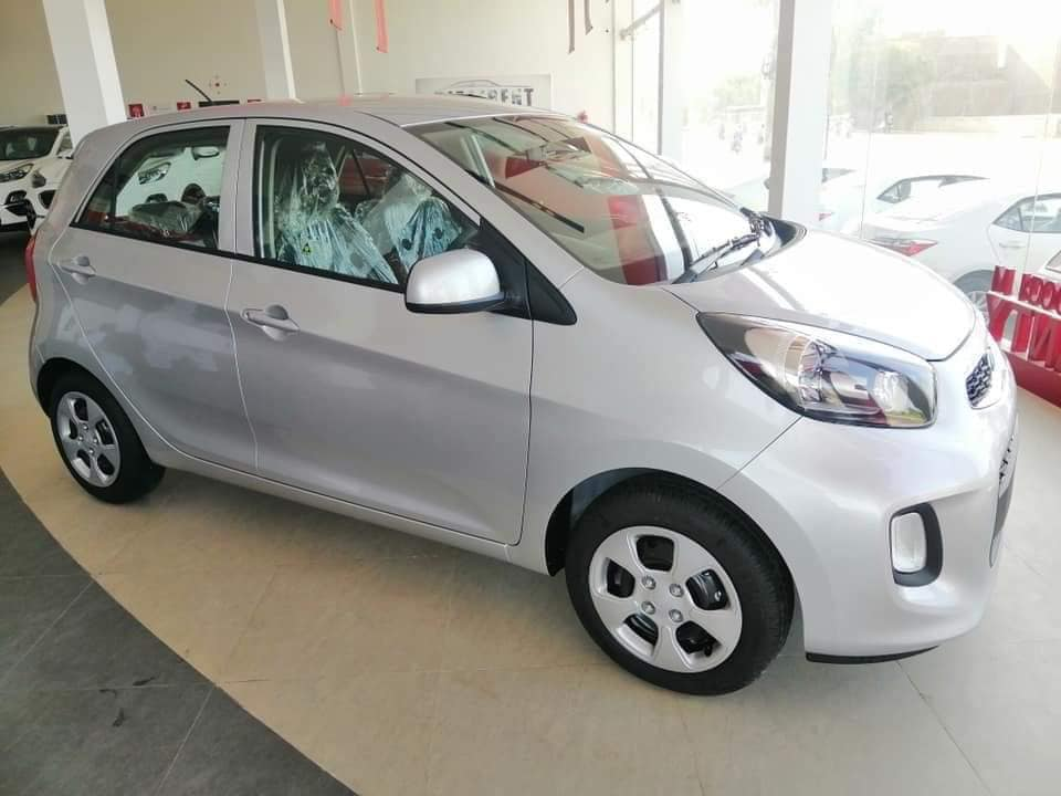 At PKR 14.99 Lac FAW V2 is Still the Best Value for Money Hatchback in Pakistan 2
