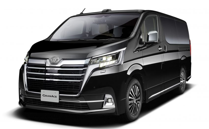 Toyota to Unveil GranAce MPV at Tokyo Motor Show 27