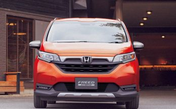 Honda Freed Gets a Facelift and a New Trim 15