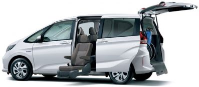Honda Freed Gets a Facelift and a New Trim 19