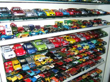 Aamir Ashfaq has Pakistan's Largest Collection of Die-Cast Cars 9
