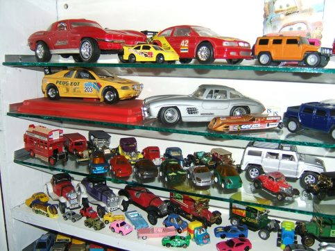 Aamir Ashfaq has Pakistan's Largest Collection of Die-Cast Cars 6