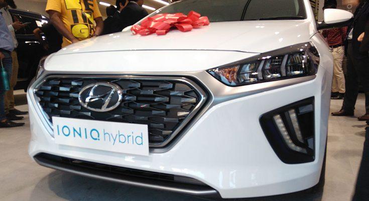 Hyundai Unveils Ioniq Hybrid- Digital Showroom Inaugurated in Karachi 2