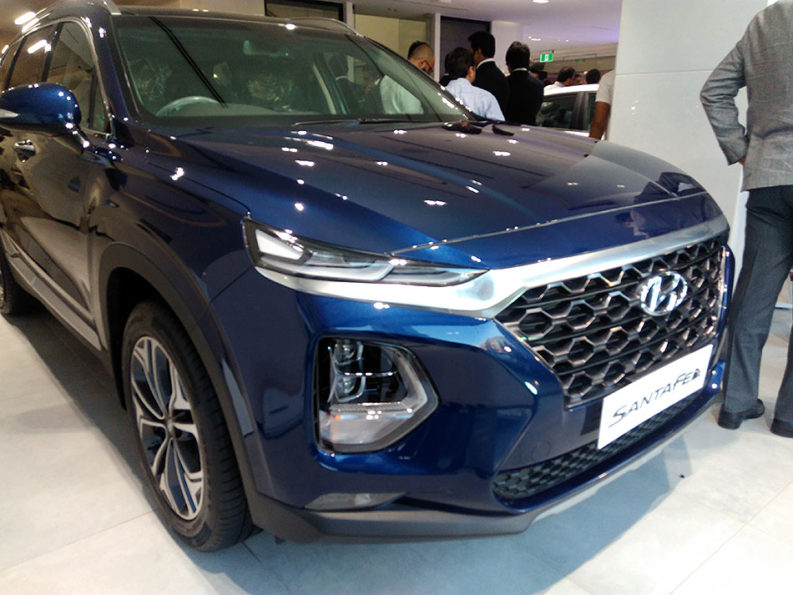 Hyundai Unveils Ioniq Hybrid- Digital Showroom Inaugurated in Karachi 8