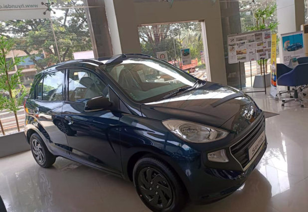 Hyundai Santro Anniversary Edition launched in India at INR 5.12 Lac 3