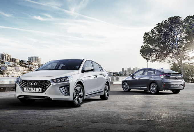 Hyundai Pitting PKR 64 Lac Ioniq Against PKR 83.7 Lac Prius 7