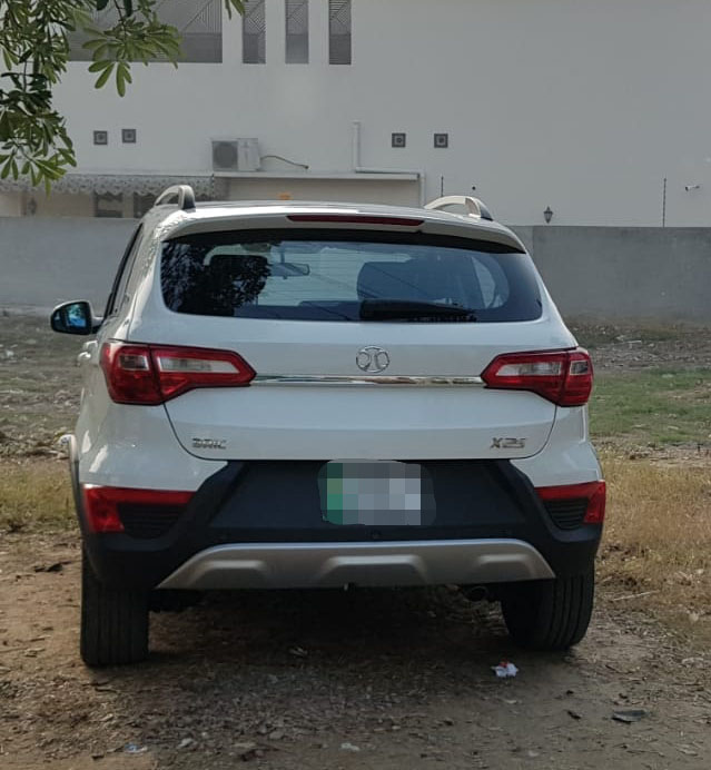 Sazgar's BAIC X25 Crossover Spotted in Lahore 1