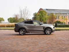 Lynk & Co Reveals 05 Coupe SUV 25