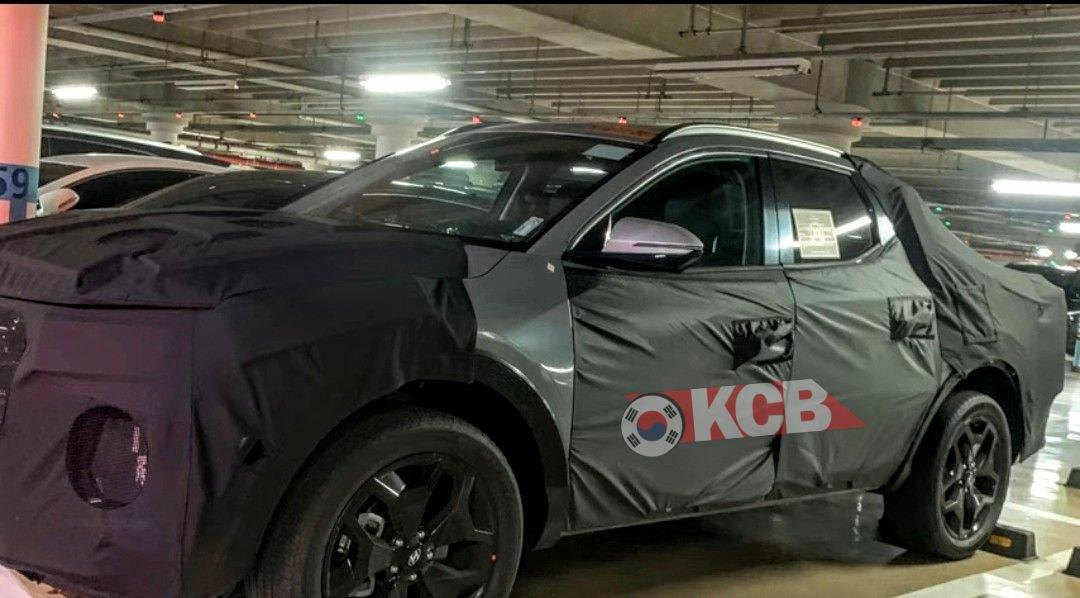 Spotted: Hyundai Readying the Santa Cruz Pickup Truck 2
