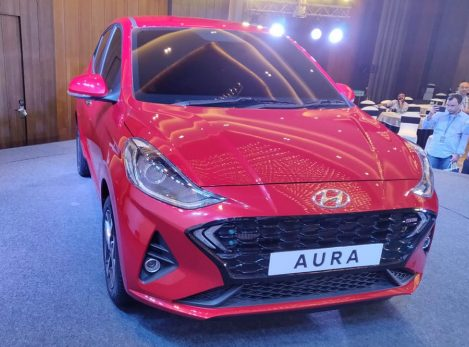 Hyundai's Newest Aura Subcompact Sedan Debuts in India 2