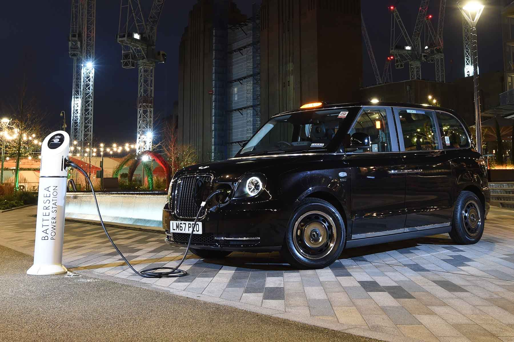 Geely Launches Plug-in Hybrid London Taxi in Japan 2