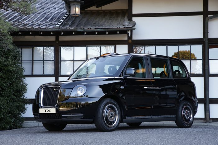 Geely Launches Plug-in Hybrid London Taxi in Japan 5