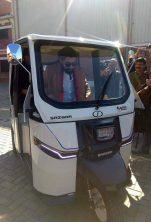 Sazgar Unveils Pakistan's First Electric 3-Wheeler 4