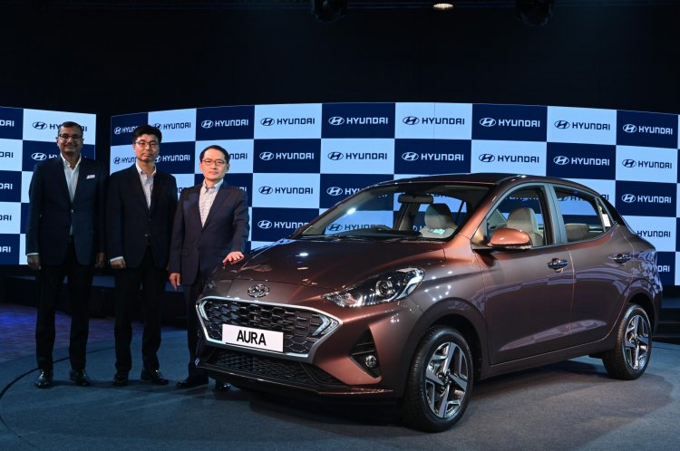 Hyundai Aura Launched in India Priced at INR 5.8 Lac 2