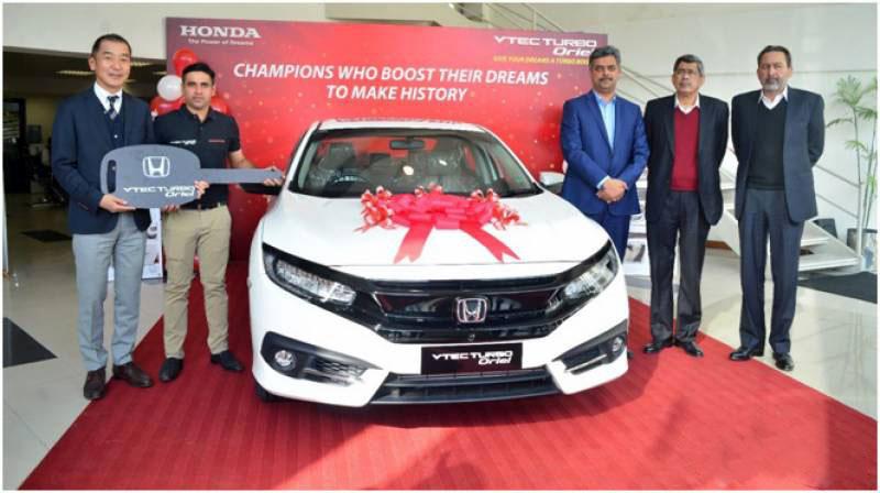 Honda Presents Civic Turbo Oriel to Abid Ali 1