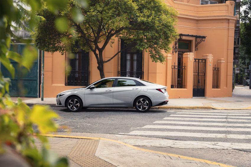 All New Hyundai Elantra Debuts- Bold Styling & Hybrid Option 11