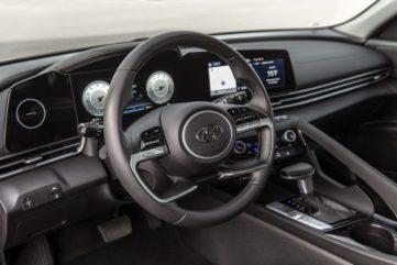 Pakistan-Bound Hyundai Elantra Becomes Outdated 12