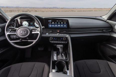 Pakistan-Bound Hyundai Elantra Becomes Outdated 14