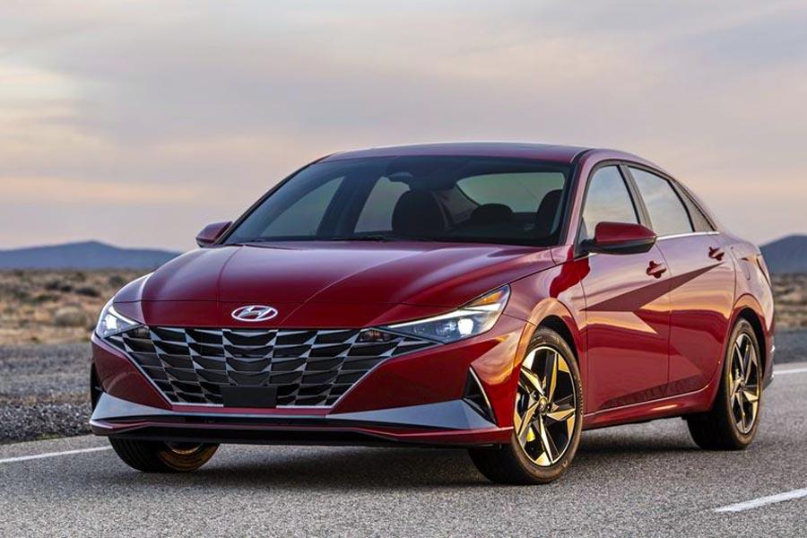 All New Hyundai Elantra Debuts- Bold Styling & Hybrid Option 3