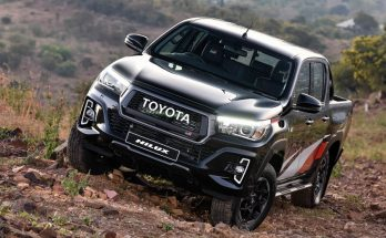 2020 Toyota Hilux Facelift to Have More Powerful Engine 27