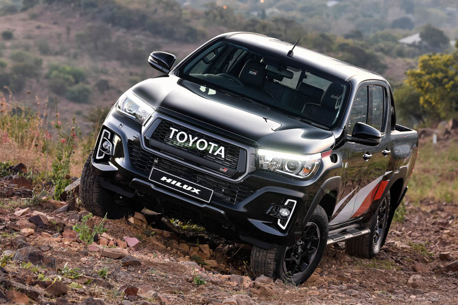 2020 Toyota Hilux Facelift to Have More Powerful Engine 4