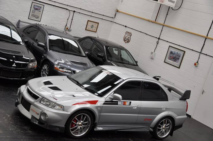 Remembering the Legendary Mitsubishi Lancer Evo 8