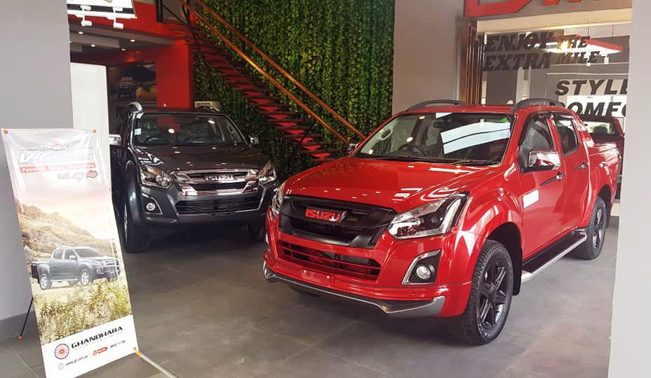 Isuzu D-Max and Toyota Hilux Sales Comparison 3