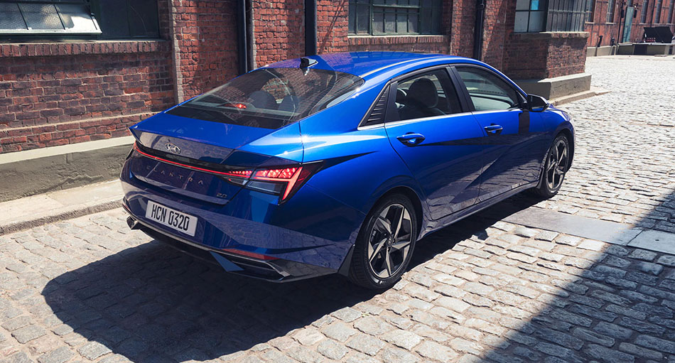 Pakistan-Bound Hyundai Elantra Becomes Outdated 7