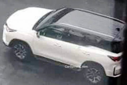 2020 Toyota Fortuner Facelift Spied Undisguised in Thailand 2