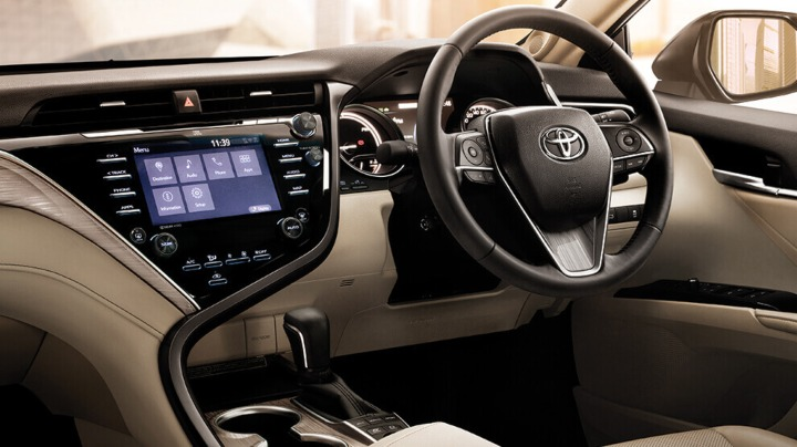 Toyota Updates the Camry Hybrid in India without Increasing the Price 1