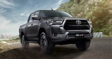 2020 Toyota Hilux Facelift Debuts in Thailand 15
