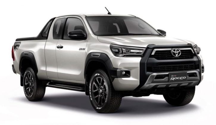 2020 Toyota Hilux Facelift Debuts in Thailand 17