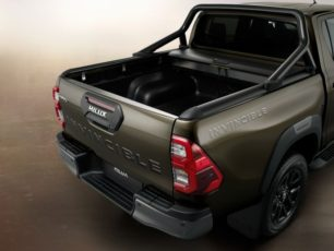 2020 Toyota Hilux Facelift Debuts in Thailand 11