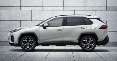 Toyota RAV4-Based Suzuki ACross Debuts 5