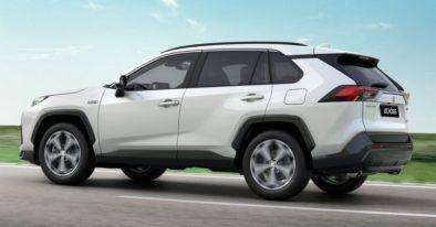 Toyota RAV4-Based Suzuki ACross Debuts 6