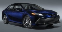 Toyota Camry Gets Facelift and Updated Features in USA 5