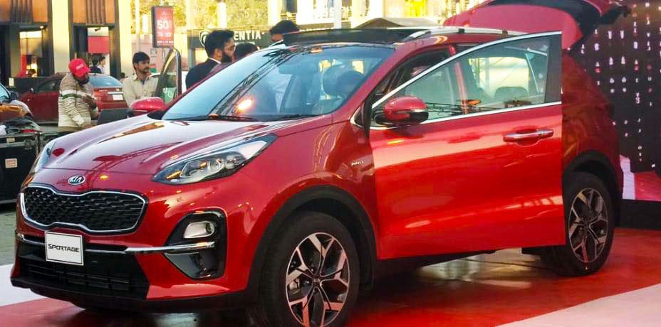 On Papers: Kia Sportage vs Toyota Corolla Cross 2