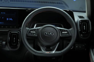 All New Kia Sonet Makes Its World Debut 13