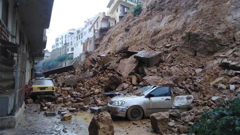 Multiple Vehicles Damaged due to Landslide in Karachi 9