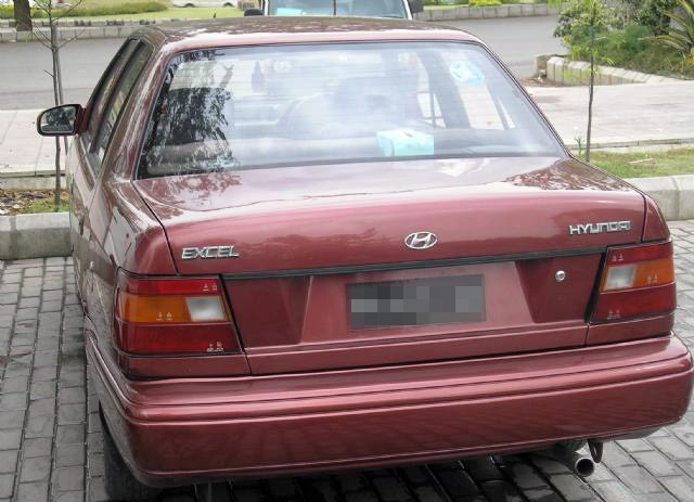 Remembering Hyundai Excel from the 90s 13