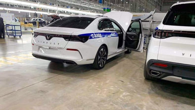 VinFast Delivers Lux SA2.0 SUVs to Ministry of Public Security 6