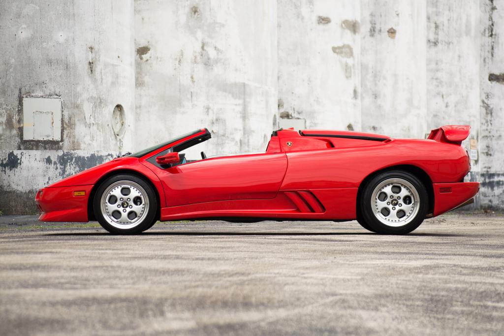 Lamborghini Celebrating 30 Years of Diablo 12