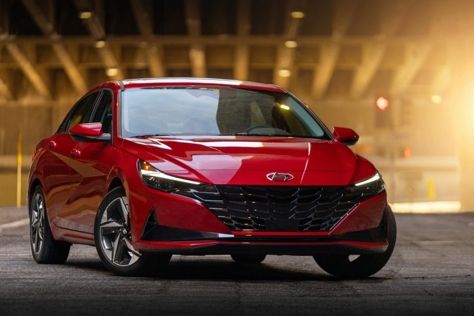 Hyundai Elantra Wins North American Car of the Year Award 1